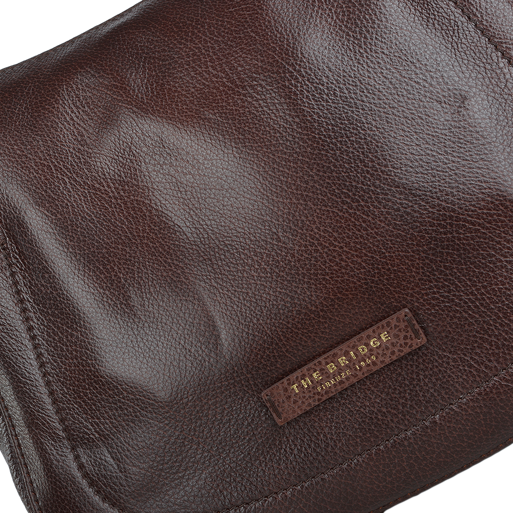 aeee41e1731c2 ... Full Grain Italian Leather Shoulder Bag Brown - 41556 79 14 buy online  670b6 41bf4 ...